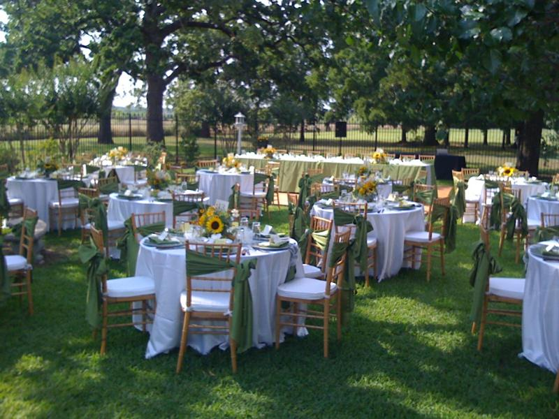 A Party Outdoors? Yes, We Can! - Chez Vous Catering and Party ...