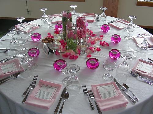 pink-petals-table